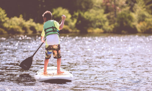 """7 Unique Midwest Vacation Spots Your Kids Won't Think Are """"Totally Lame"""""""